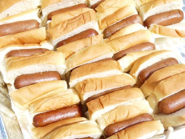Mini hot dogs in King Hawaiian buns