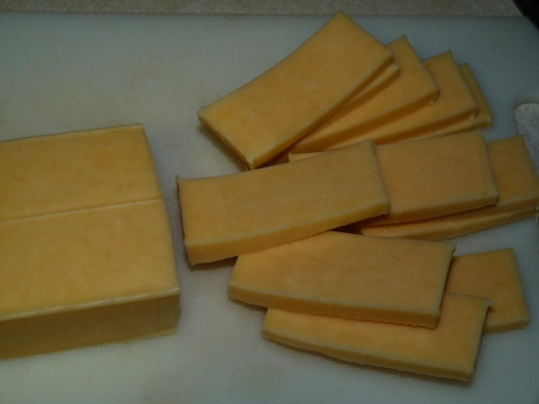 Sliced gouda