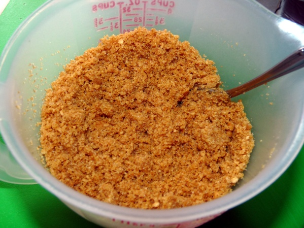 Mix graham crumbs, butter and sugar to  make the crust