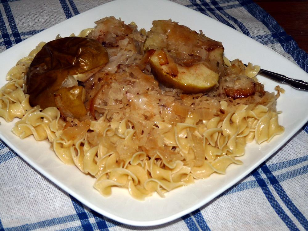 Recipes using pork chops and sauerkraut