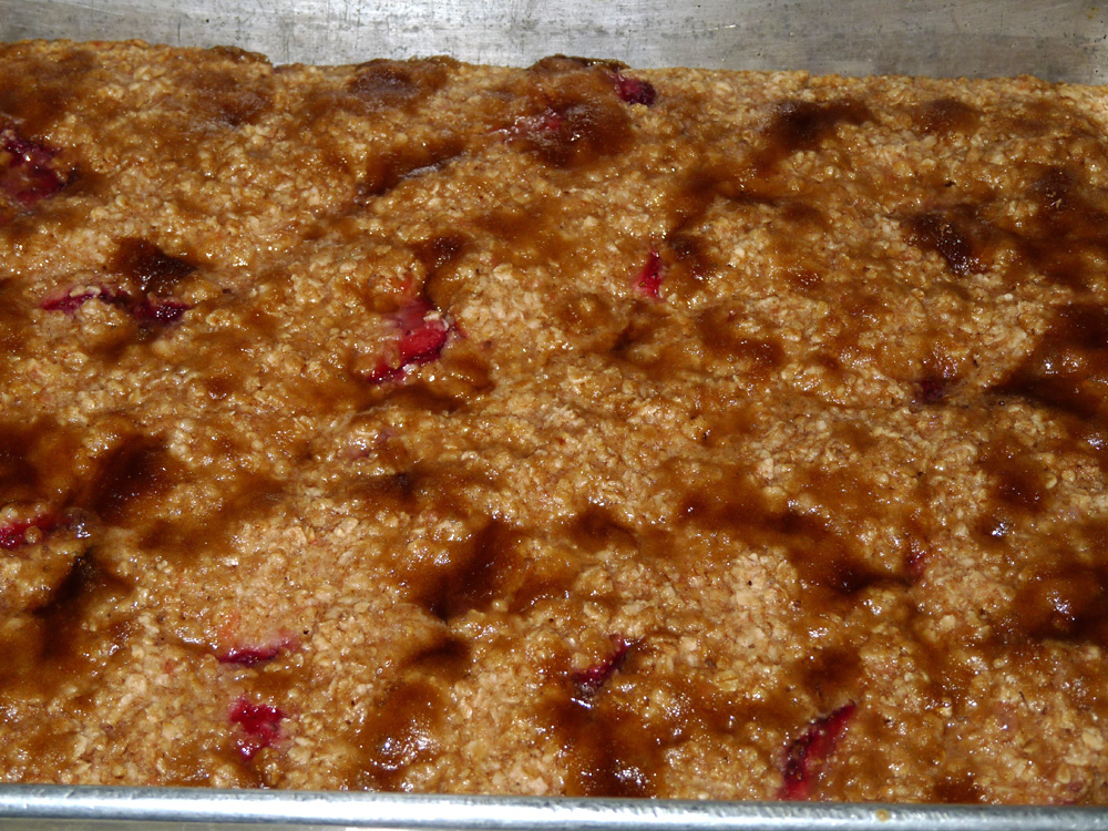 Strawberry Rhubarb Baked Oatmeal | Lady Melady: My Castle, My Food