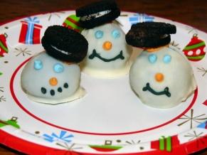 Oreo Snowmen Cookies