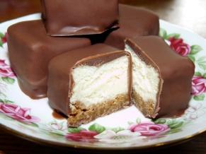 Chocolate Dipped Cheesecake Bites