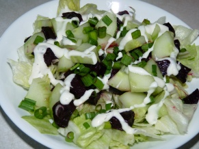 Lettuce Salad with Beets, Cucumber and Lime Juice