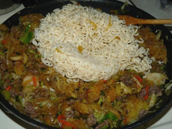 Add ramen and stir to mix
