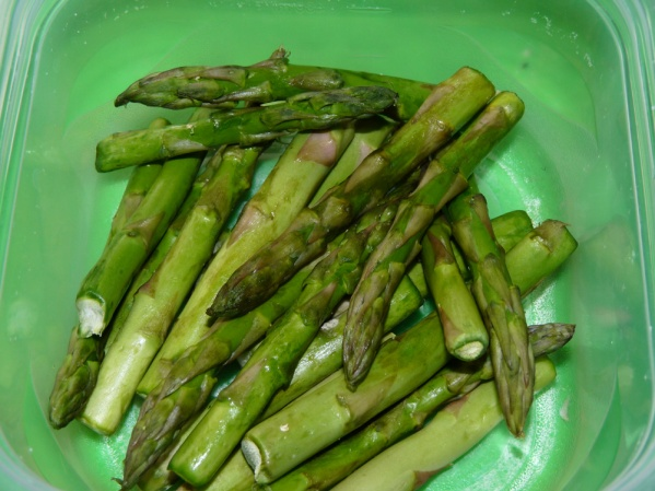 Cut asparagus into smaller pieces