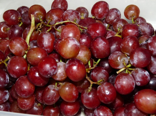 Use sweet red grapes