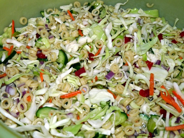 Mix pasta and vegetables