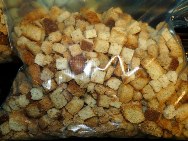 Bread cubes can be stored in a zippered bag for a month ahead of time.