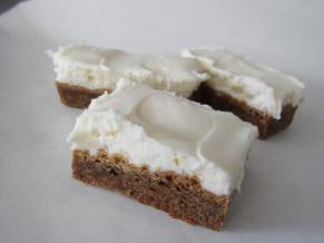 Gingerbread Cookie Bars